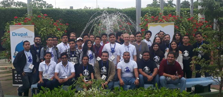 Group photo of DrupalCamp Lagos y Volcanes